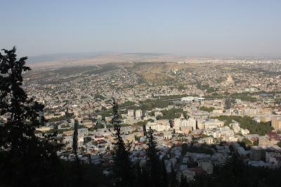 إطلالة على مدينة تبليسي