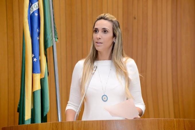 Deputada critica incoerência de Flávio Dino e cobra verdades sobre finanças do governo