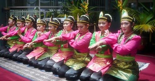 Fifth image of Jawaban Tari Saman Berasal Dari Provinsi Ini with tari tradisional: Tari Saman dari provinsi di Pulau Sumatera
