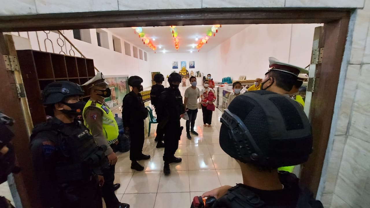 Kompi 2 Yon A Pelopor Lakukan Patroli malam Dalam rangka Cipta Kondisi Menjelang Perayaan Tahun Baru IMLEK 2021