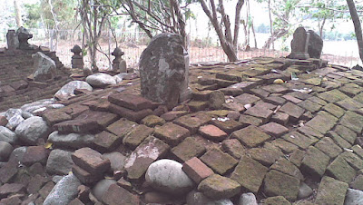 Situs keramat paling bersejarah di jawa barat