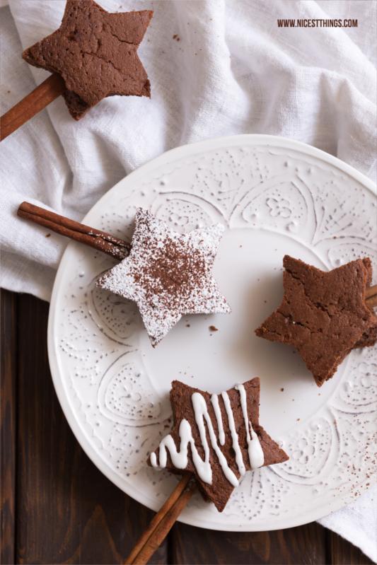 Brownie Sterne Rezept weihnachtliche Brownies am Zimtstangen Stiel #brownies #sterne #weihnachten #weihnachtsbäckerei #zimt