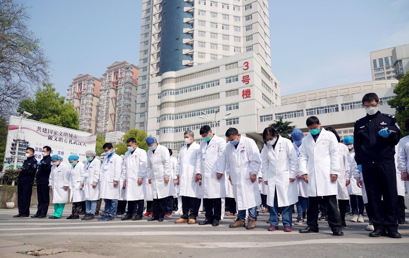 Semua Pasien Covid-19 Tinggalkan Rumah Sakit Wuhan