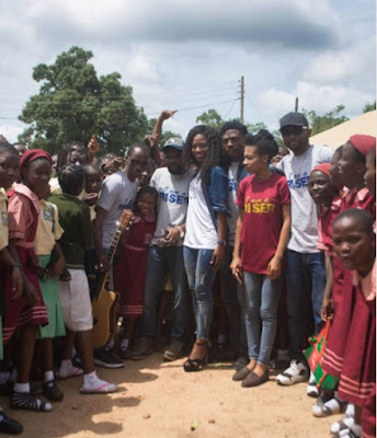 wp 1506963142269 - ENTERTAINMENT: Debie Rise Donates New Guitar To Her Alma Mater