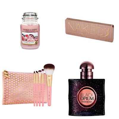 pomysł na prezent: świeczka, pędzle, perfumy,