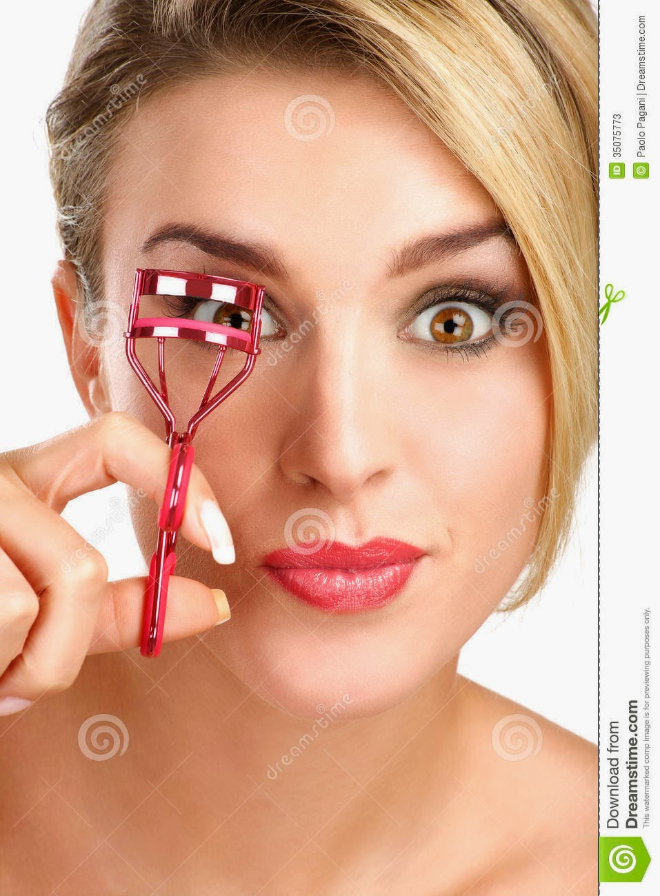 use-eyelash-curler