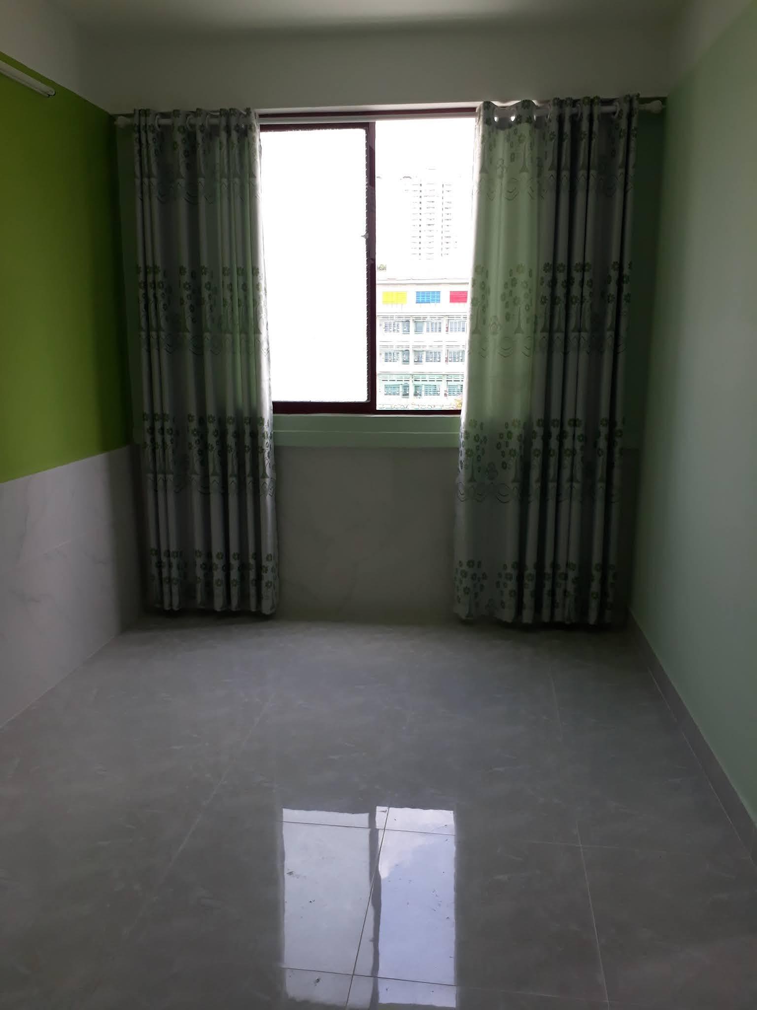 Bán căn hộ chung cư Mặt tiền đường Trần Hưng Đạo Quận 5, căn góc 2PN sổ hồng riêng