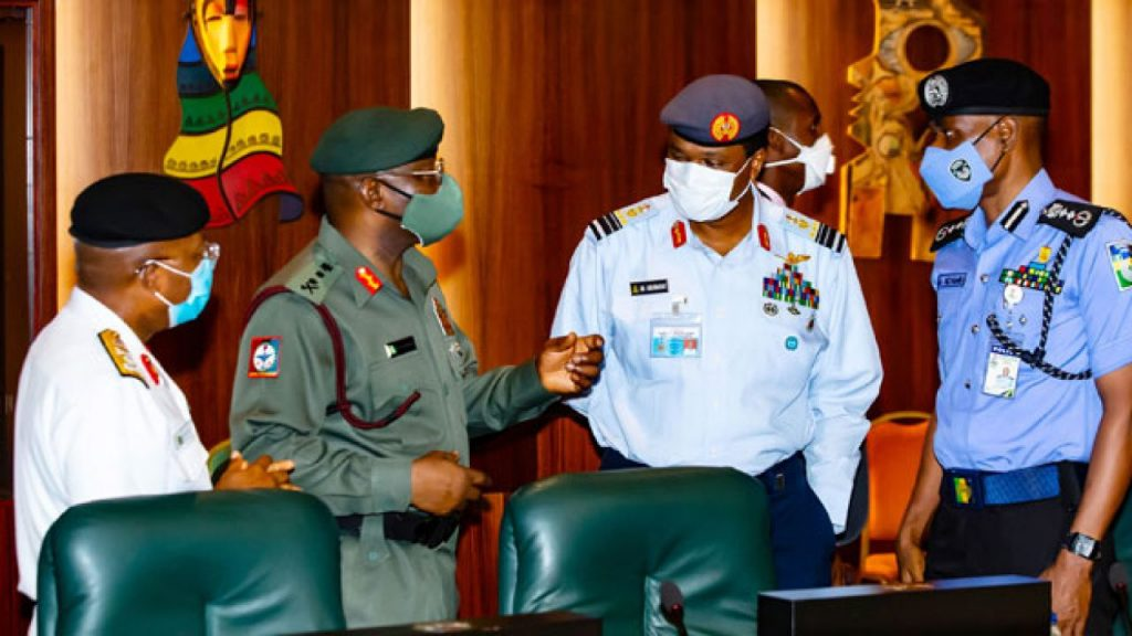 Buhari, Osinbajo in meeting with security chiefs #Arewapublisize