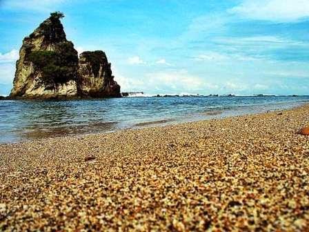 Pantai Sawarna
