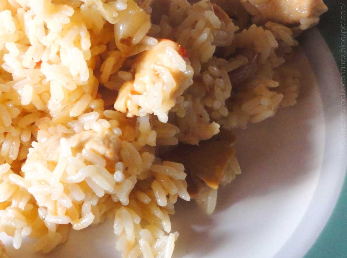 arroz con pollo, champiñones y roquefort
