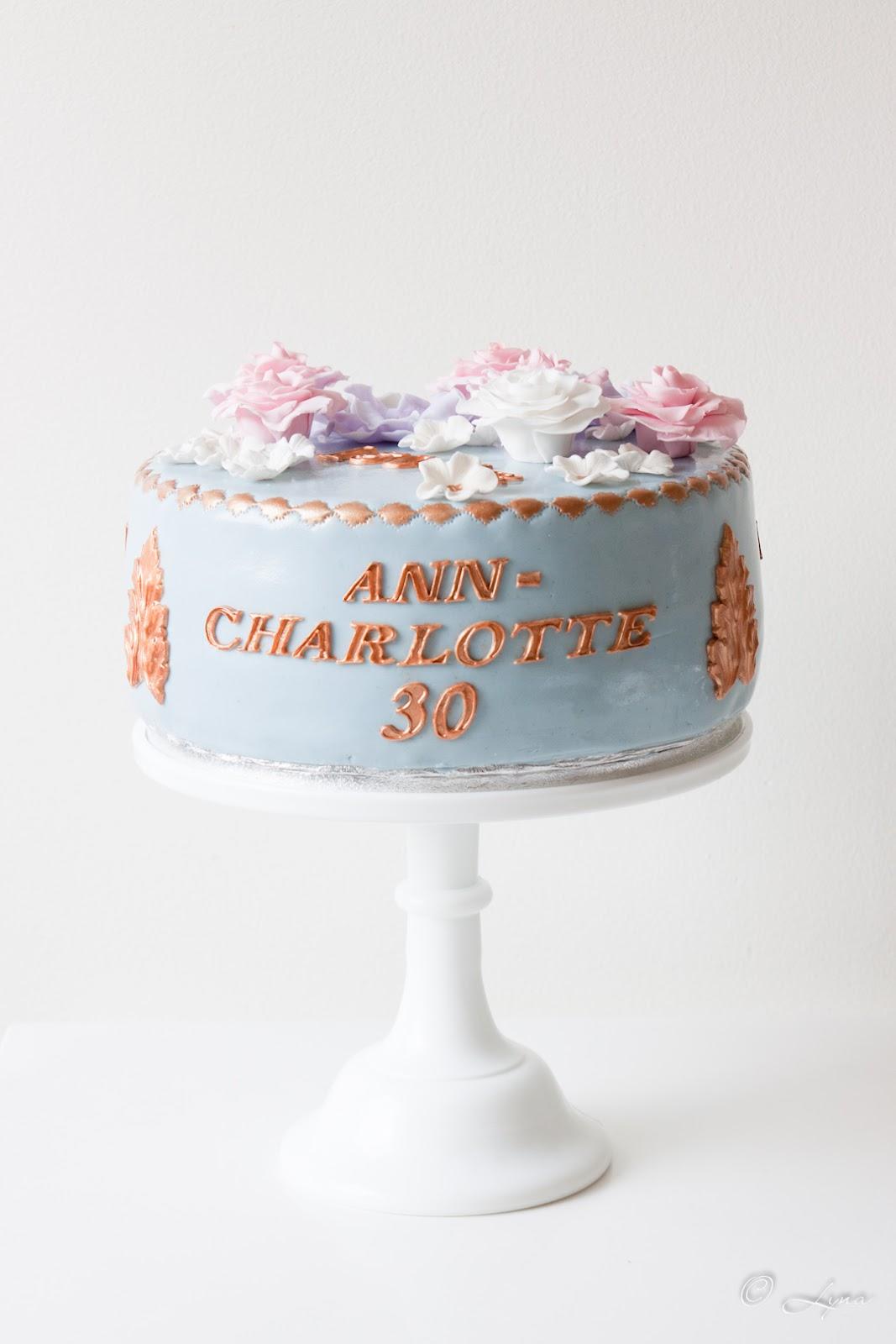 373a7979afd5 Happy pie: 150 års-tårta