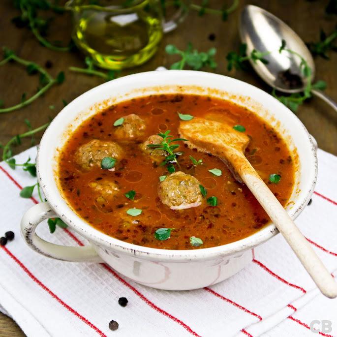 Recept: zo maak je zelf de allerlekkerste tomatensoep met gehaktballetjes