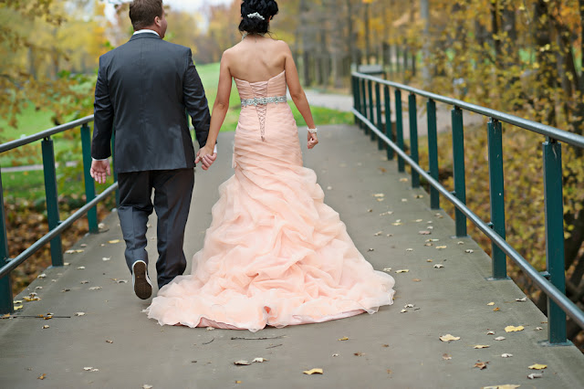 peach+green+mint+pistachio+autumn+fall+wedding+pink+dress+blush+bridal+gown+bride+crystal+sash+hair+makeup+alternative+offbeat+red+brown+purple+violet+yellow+orange+leaf+leaves+classic+sarah+kossuch+photography+6 - Salmon & Chiffon
