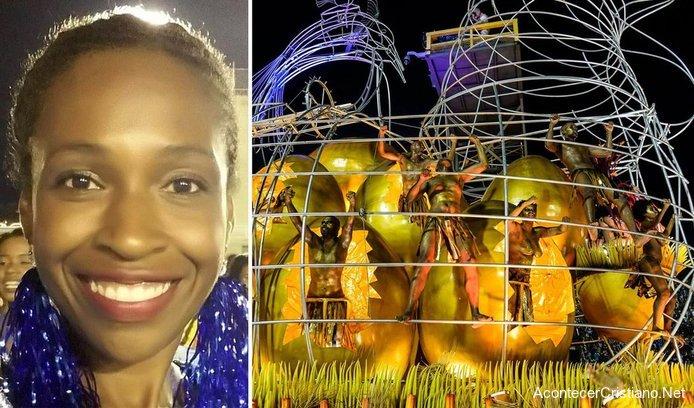 Mujer cristiana participa en el carnaval