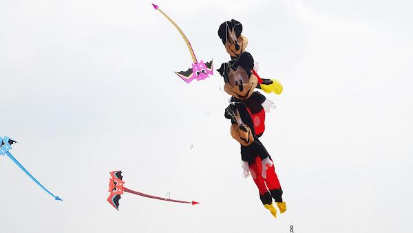 鹿港風箏節箏奇鬥豔 米老鼠風箏天上秀