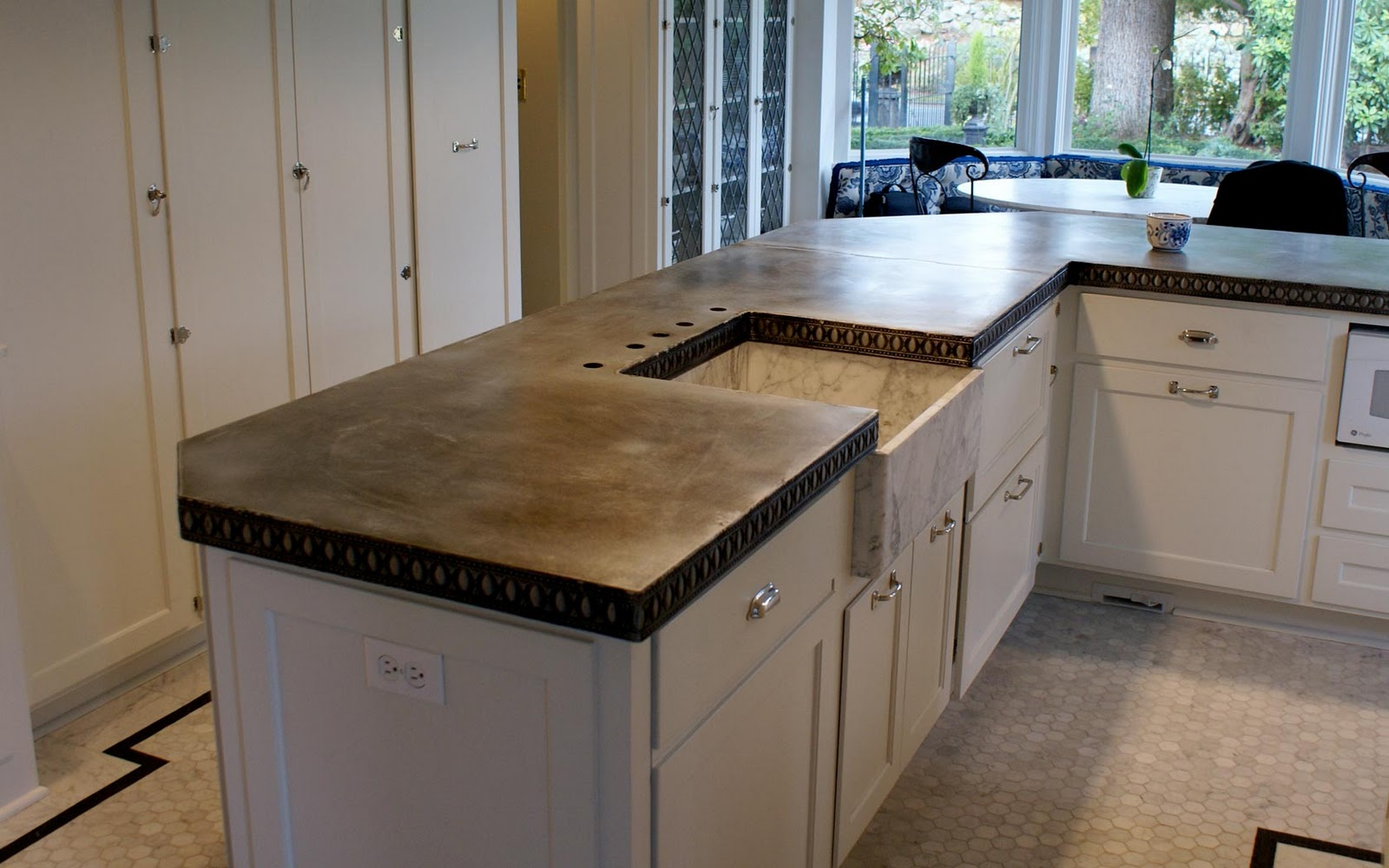 Deluxe Custom Kitchen Zinc That Can Fit In Any Home