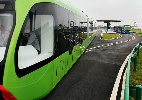 Tinuku.com CRRC Zhuzhou operates the first driverless and railless railway