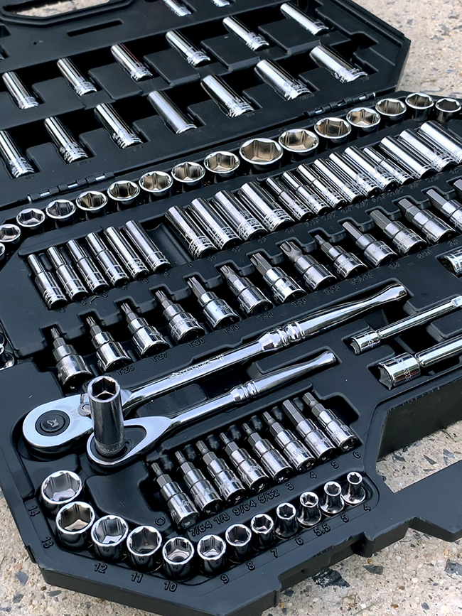Husky 125-Piece Mechanics tool set