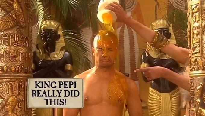 Os faraós egípcios usavam seus escravos como apanhadores de moscas/mosquitos.