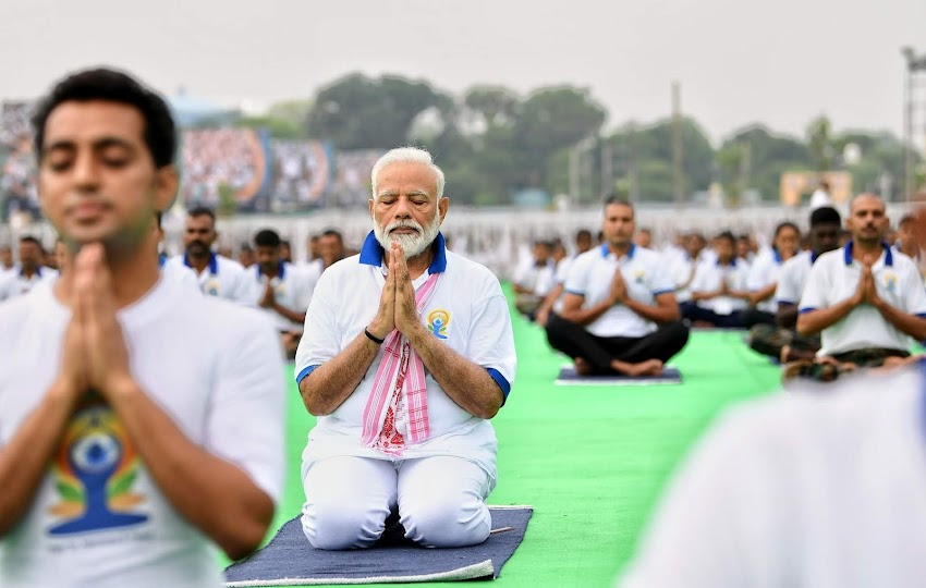 Cómo celebró India el Día Internacional del Yoga.