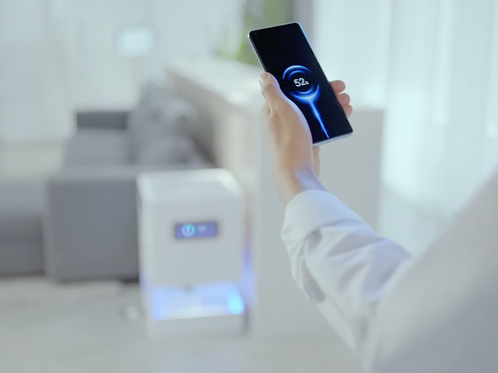 What is Xiaomi Mi Air Charge technology and how does it work?