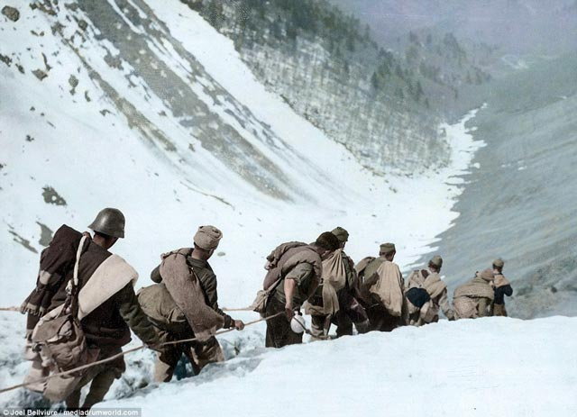 Troops fleeing across the Pyrenees in March 1938 worldwartwo.filminspector.com