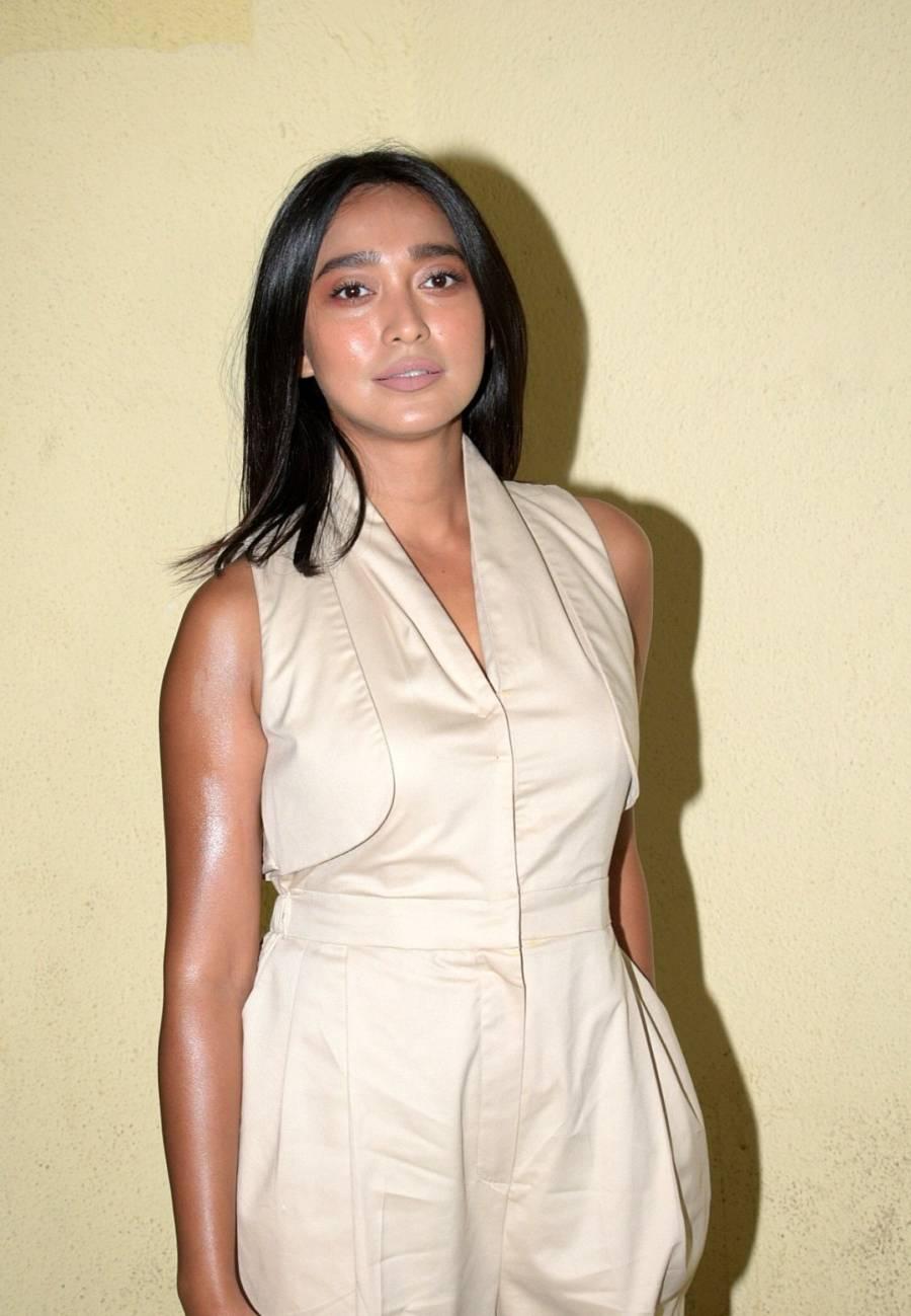 Indian Girl Sayani Gupta Without makeup Face Long Hair