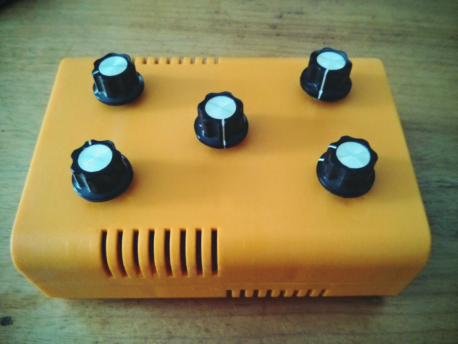 Blog Hoskins: My First Arduino Synth