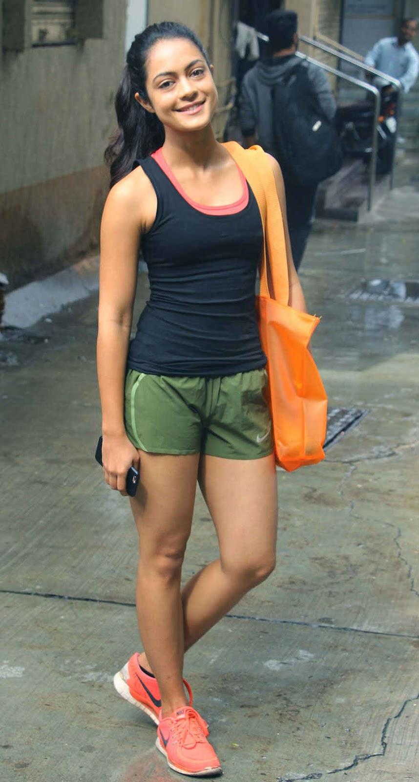 Anya Singh at 'Ten The Health Spa' in Bandra West, Mumbai