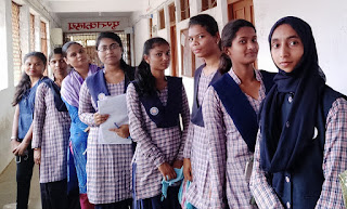 पीजी में एडमिशन ना मिलने पर छात्रों ने जताई नाराजगी