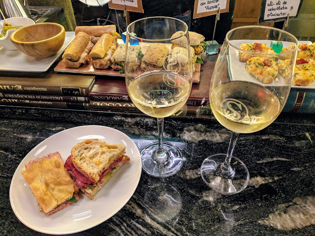 Places to eat in Bilbao: Snack and txakoli wine at Singular in Bilbao