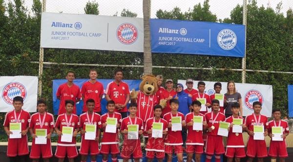 Dua Remaja Indonesia Timba Ilmu di Bayern Munchen