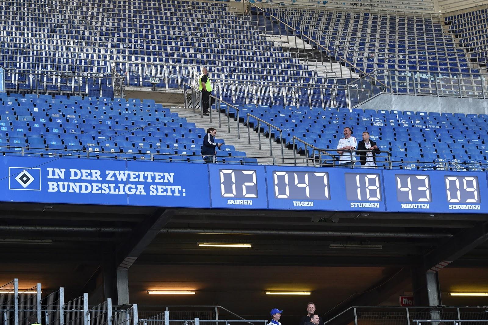 langsam hsv installiert stadionuhr