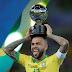 Maior ganhador de títulos do futebol, Daniel Alves vai virar estátua em Juazeiro