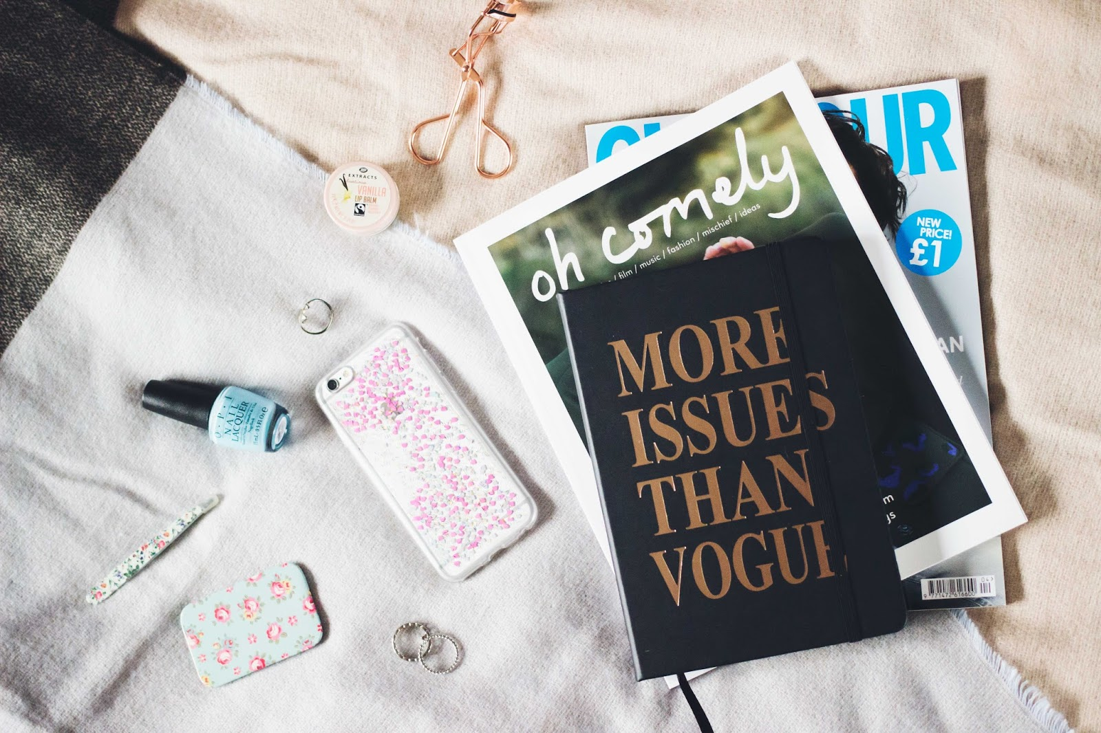 Social Media, Break, Flatlay, Derby Blogs, Derbyshire Bloggers, Katie Brown, Katie Writes,