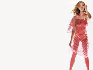 Lisa Kudrow hot