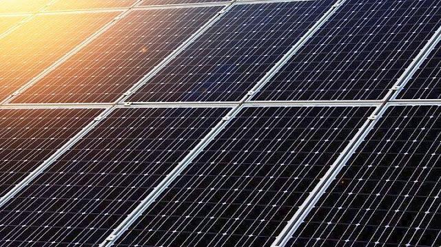 """Εξαρθρώθηκε σπείρα που """"έγδυνε""""  φωτοβολταϊκά πάρκα στην Πελοπόννησο"""