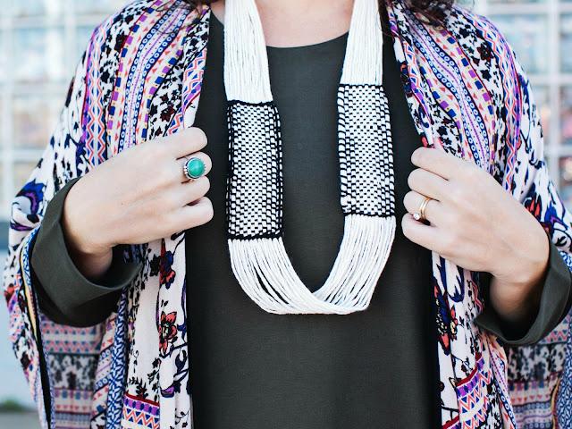 crear un collar con telar