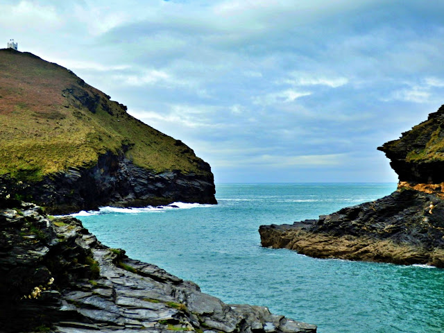 The almost hidden inlet to Boscastle harbour, Cornwall