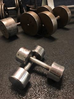 painot, rautaa, salitreeni, kuntosali, treeni, käsipainot, maltti on valttia, hiljaa hyvä tulee