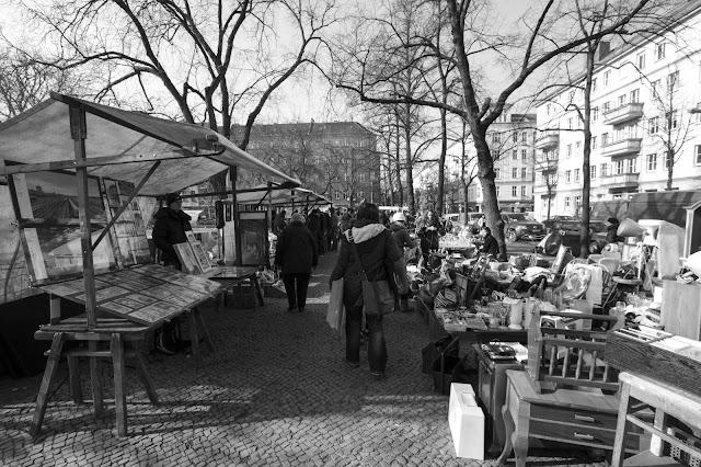 Mercatino dell'antiquariato a Boxanger platz-Berlino