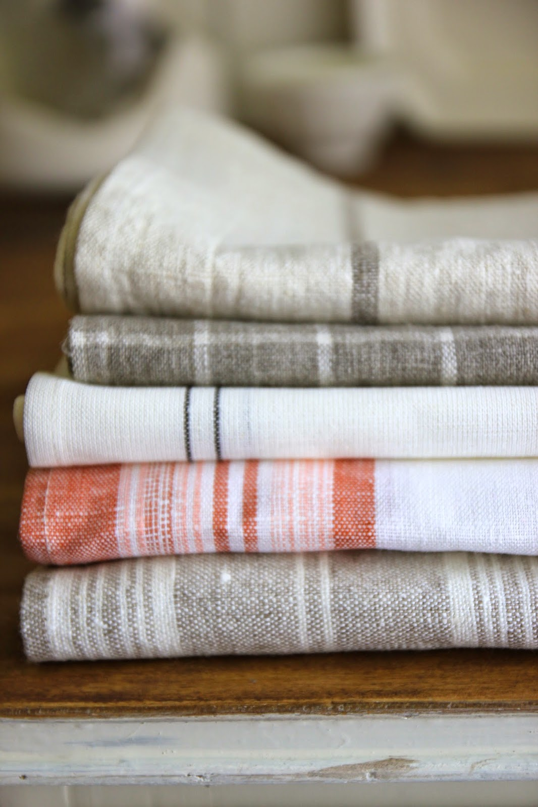 Jenny Steffens Hobick Hand Painted Linen Kitchen Towels  Napkins  Easy DIY Project