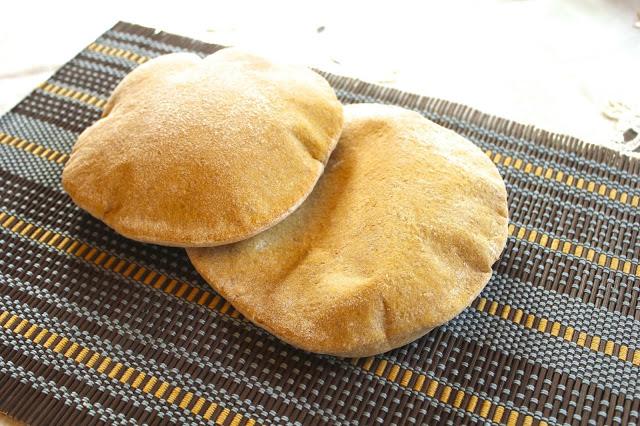 Khibbiz Arabi (Pita or Arabic Bread)