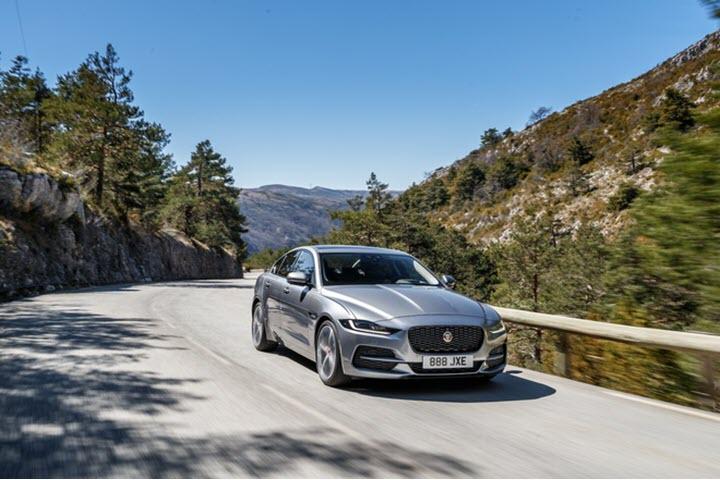 Jaguar XE 2020 - sedan thể thao cao cấp sẽ ra mắt VN trong tháng 6