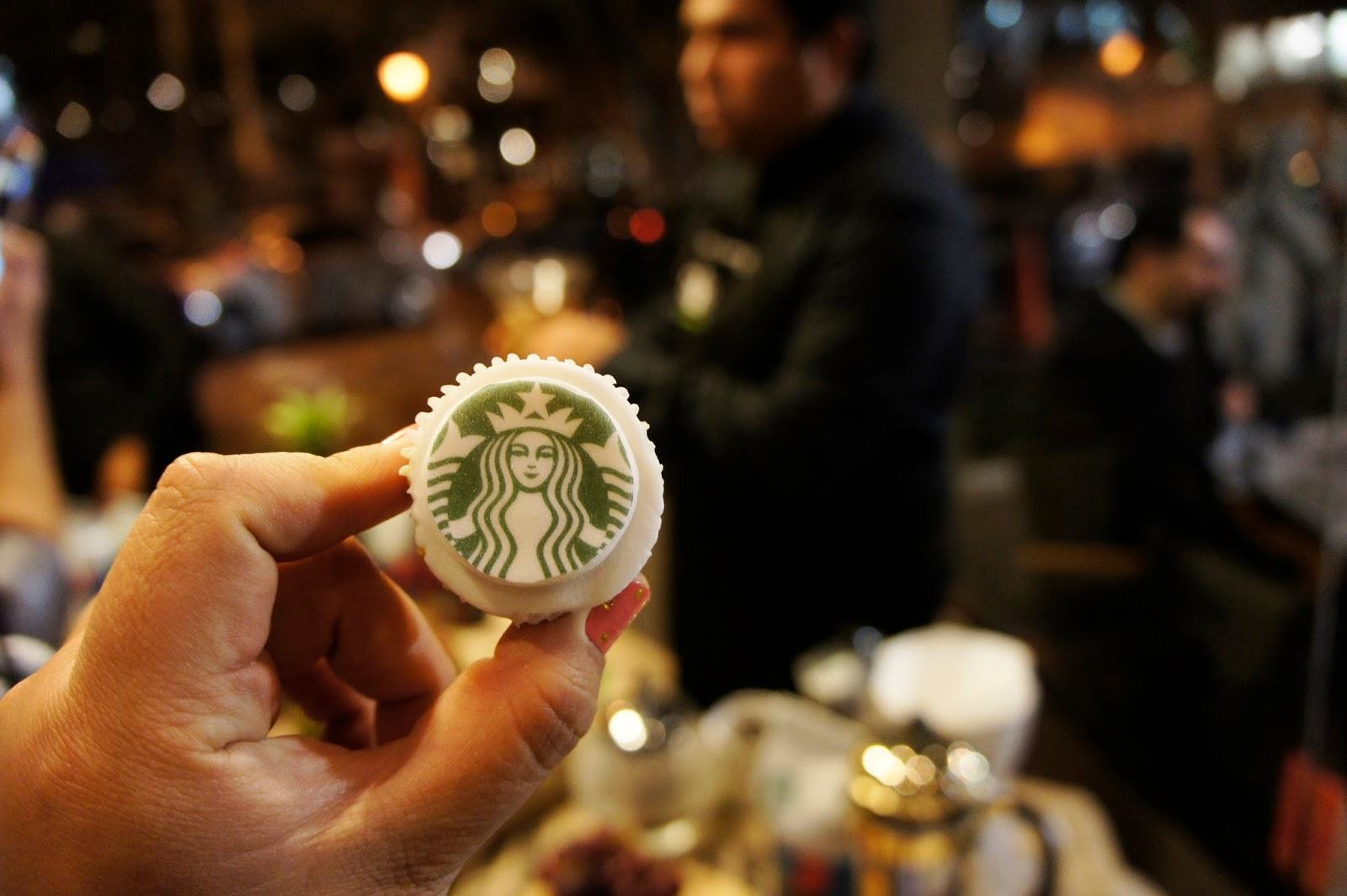 Starbucks, cupcake, mini cupcake