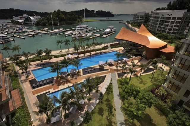 Pool in the backyard of Reflections at Keppel Bay by Studio Daniel Libeskind
