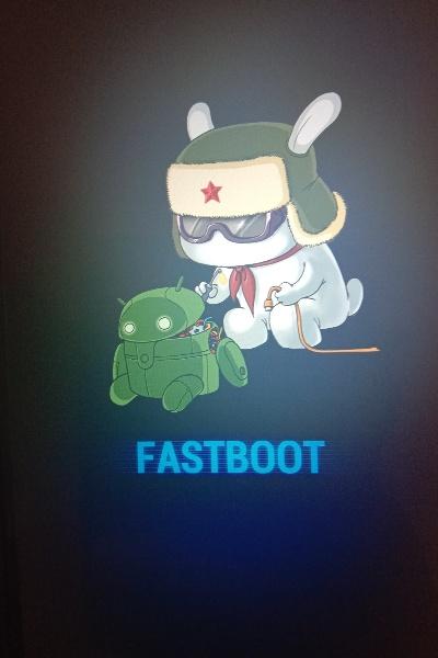 Hp Xiaomi muncul FastBoot dilayar
