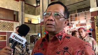 Massa Siap Sambut Kepulangan HRS, Mahfud MD: Kalau Buat Kerusakan, Kami Sikat!
