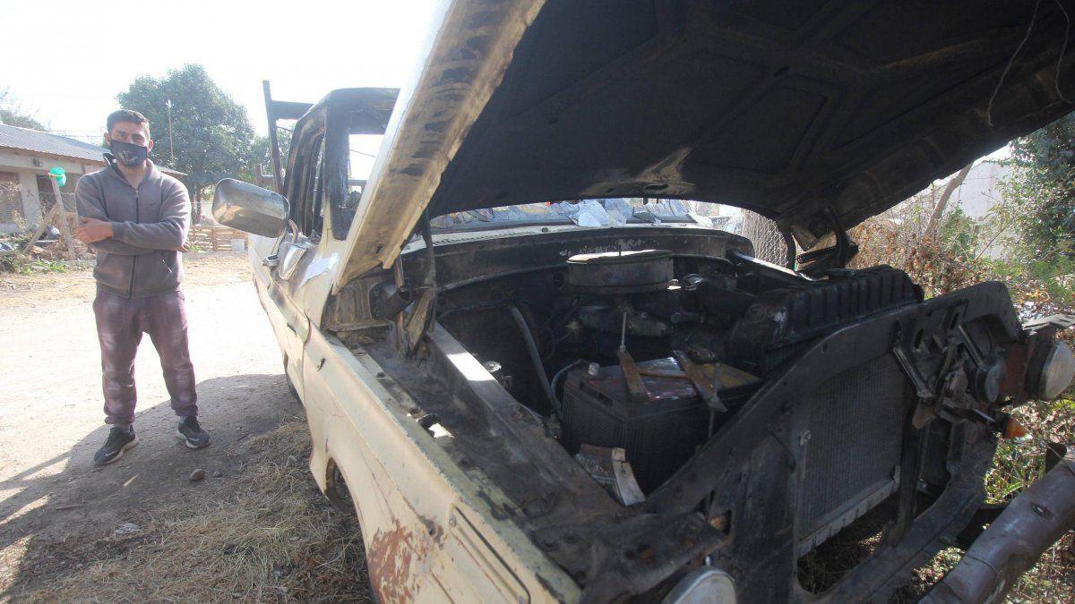 Le quemaron la camioneta a un bombero por ser caso sospechoso de COVID-19