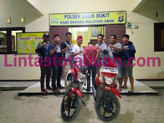 Unit Reskrim Balikbukit Berhasil Ungkap Kasus Pencurian Sepeda Motor di RSUD Alimuddin Umar Liwa